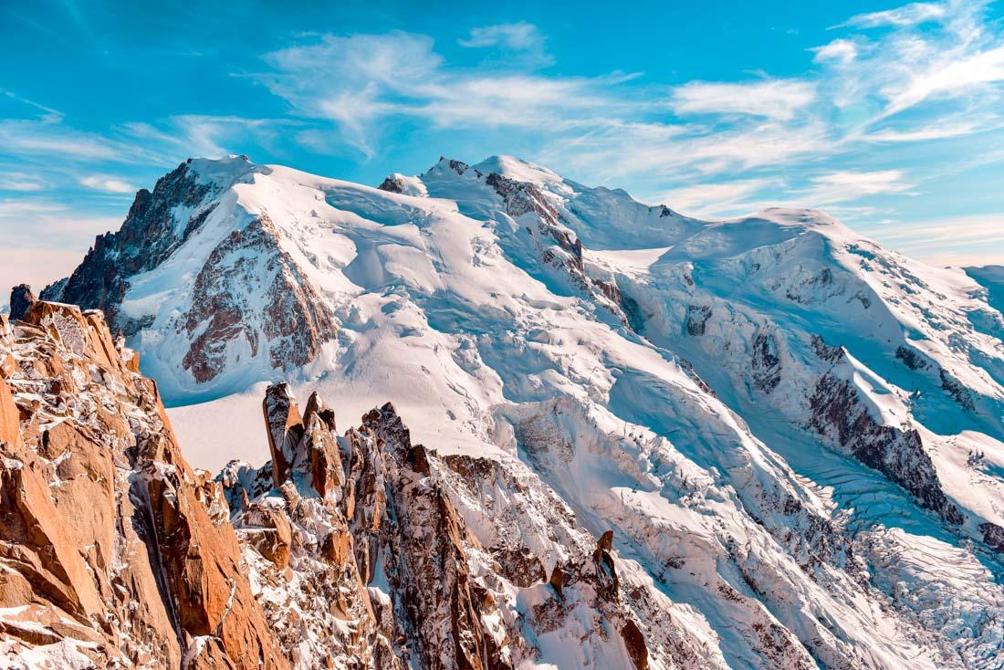 mont blanc range chaine aiguille du midi haute savoie chamonix 74 france mountain montagne peak snow glacier blue sky alpes alps été summit